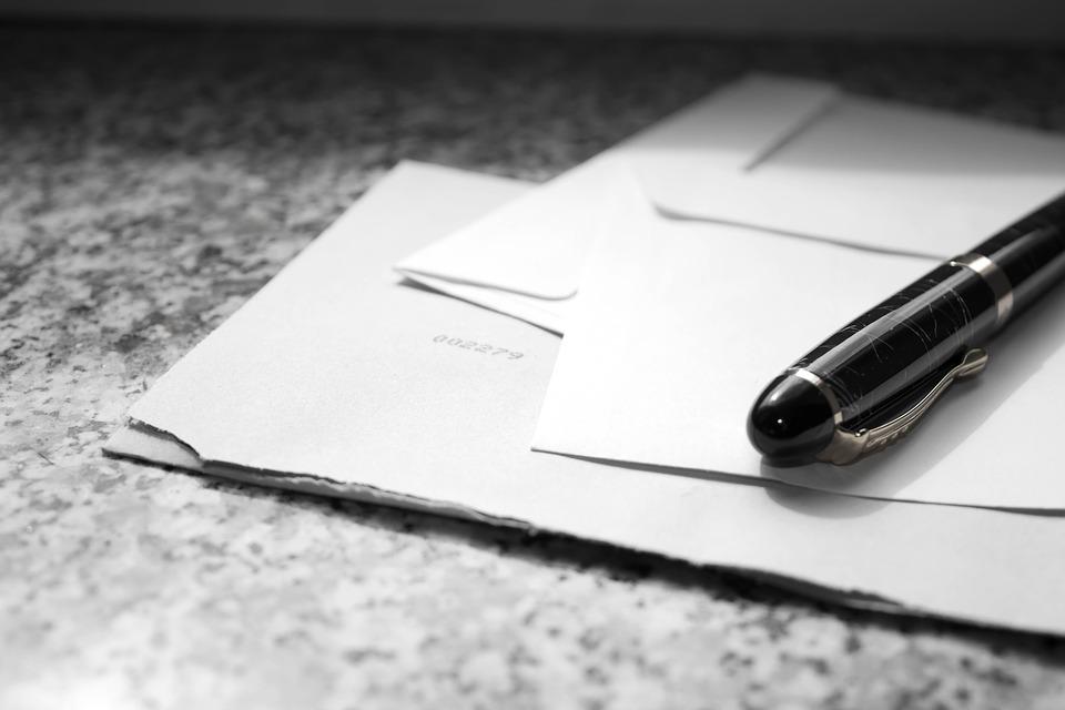 Auswahl des richtigen Umschlags für die Marke Ihres Unternehmens